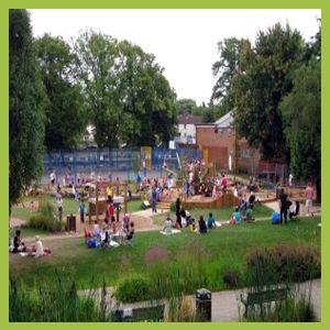 Evesham-Abbey-Park-Play-Area-Busy-Medium